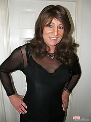 Gorgeous solo crossdresser with beautiful smile